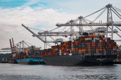 Способы оптимальных доставок товара из Китая в Россию