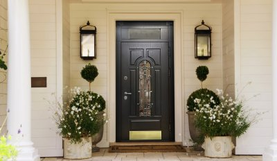 Двери из железа: уход и достоинства