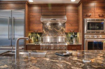 Кухонная столешница: натуральный vs искусственный камень