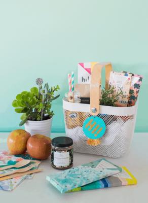 Подарочная корзина: 15 идей для тематического подарка