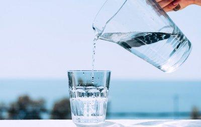 Когда нужно пить воду: 8 правил для здоровья