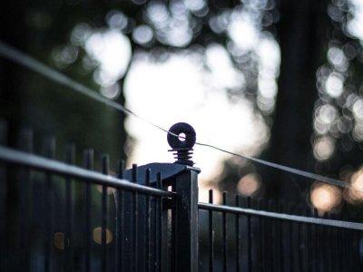 Ограждение для бизнеса: выбираем забор