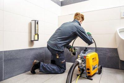 Прочистка канализации: как быстро избавиться от засоров