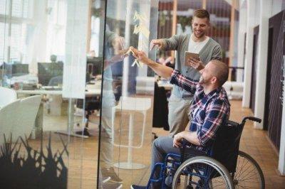 6 советов по созданию доступного рабочего места для МГН