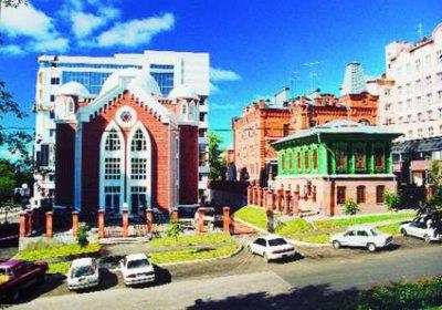 В Хабаровске забросали бутылками с зажигательной смесью синагогу