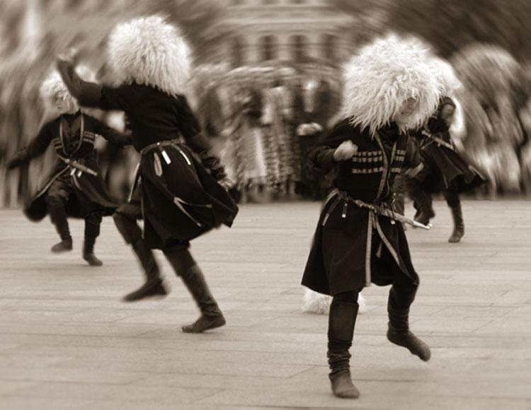 Танцующий кавказец картинка