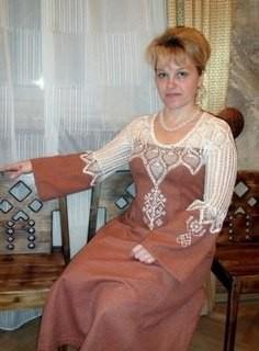"""...народных ремесел  """"Мать Земля """", фестиваля  """"Возрождение """", есть свой клуб Славянской одежды и обережной вышивки."""