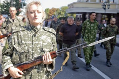 «Марш» пленных украинских карателей в Донбассе – символ поражения врагов России