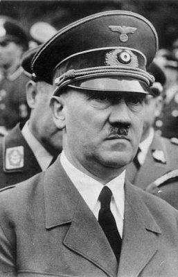 Из речи А.Гитлера в берлинском Дворце спорта 1940 года