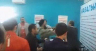 Запутинские казаки напали на казака за Навального