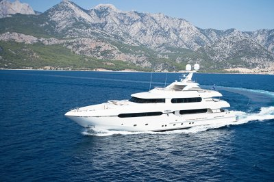 Сколько времени можно обеспечивать электроэнергией ЛДНР на яхты олигархов?!