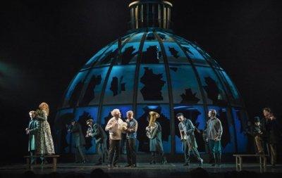 Театральная Москва ждет показов «Дома, который построил Свифт»