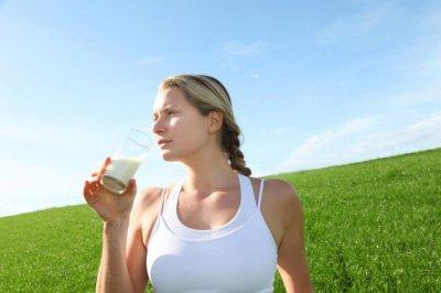Белая раса любит молоко, а евреи не переносят молоко