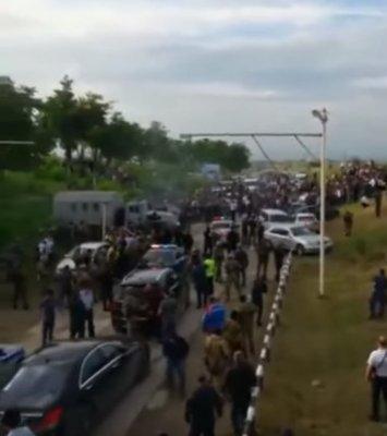 На Кавказе разгорается межэтнический конфликт. Чеченцы решили устроить геноцид аварцам?!