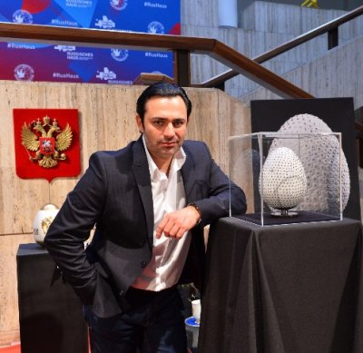10 апреля в Берлине завершилась пасхальная выставка немецкого ювелира-дизайнера Петера Небенгауза