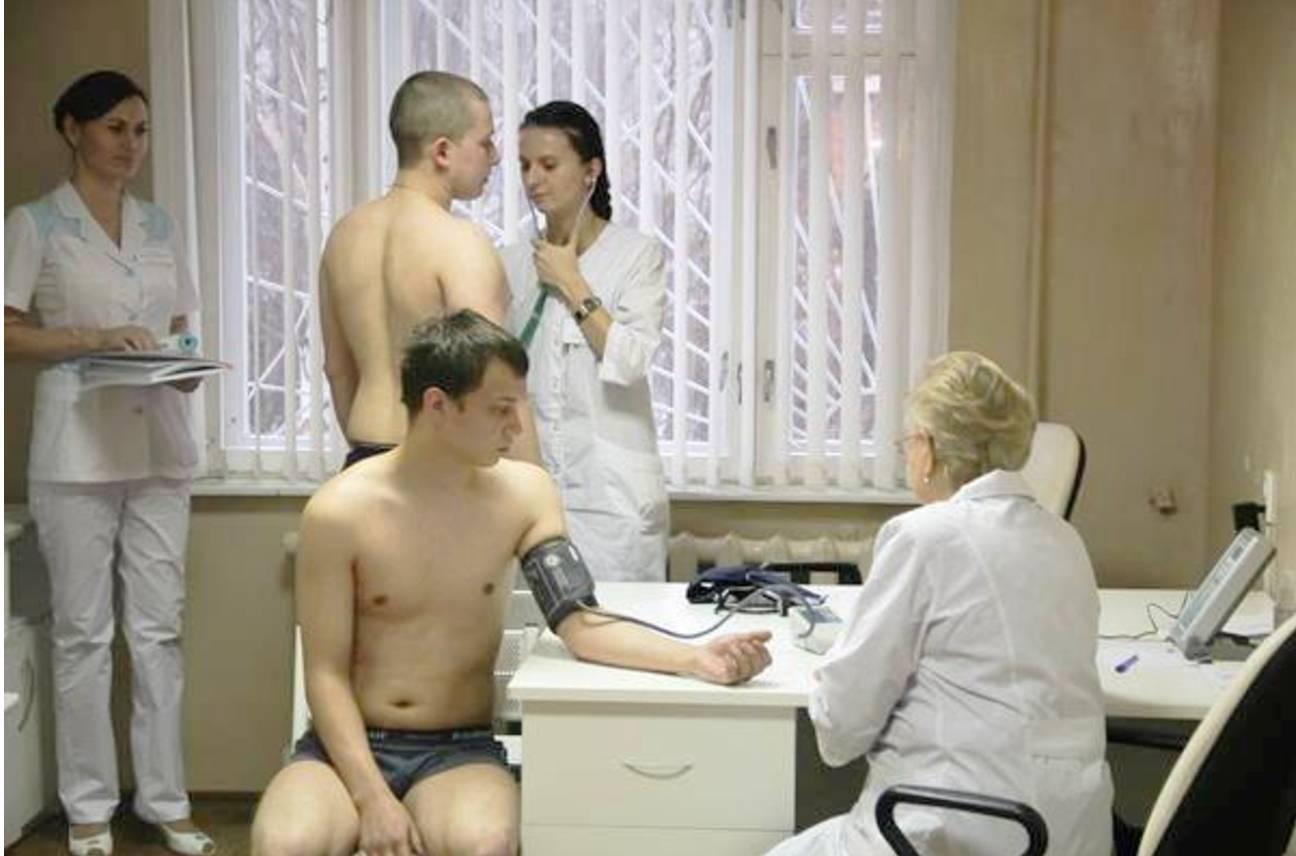 video-zhurnal-golie-devchonki-na-medosmotre-yaponskoe-porno-transi